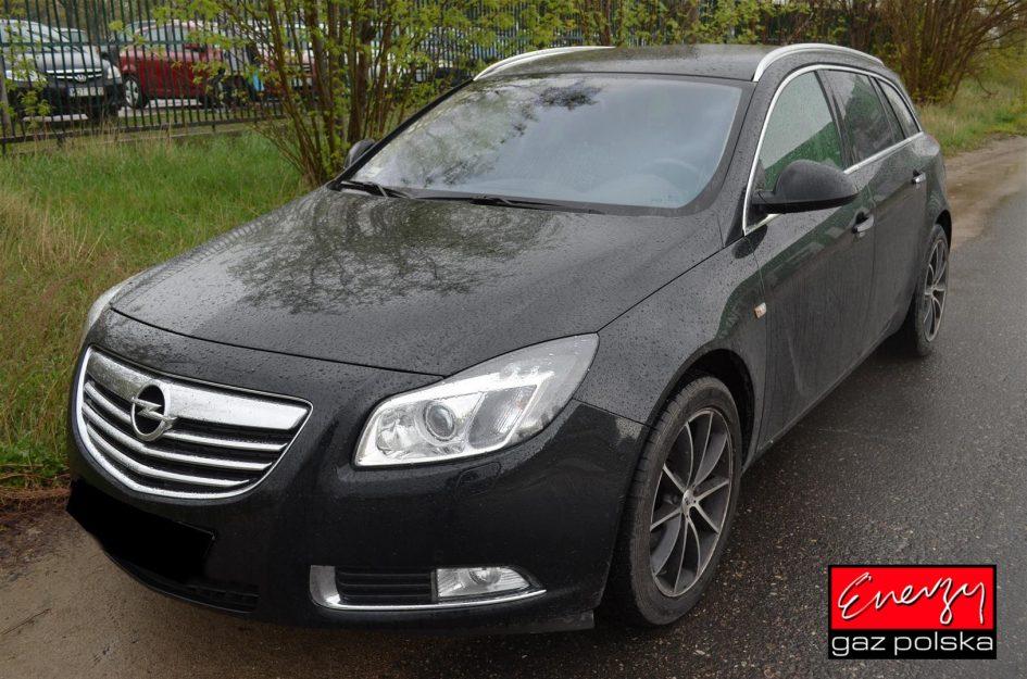 Opel Insignia 2.0T 220KM 2011r LPG