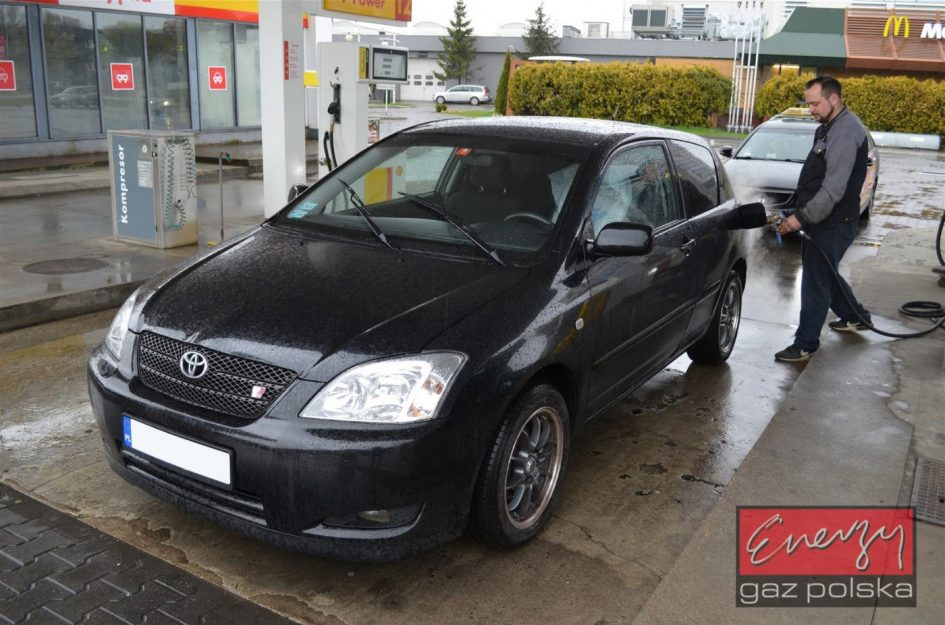 Toyota Corolla 1.8 190KM 2002r LPG