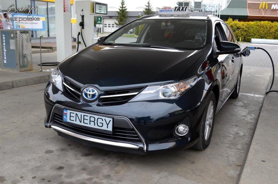 Toyota Auris 1.8 2014r LPG
