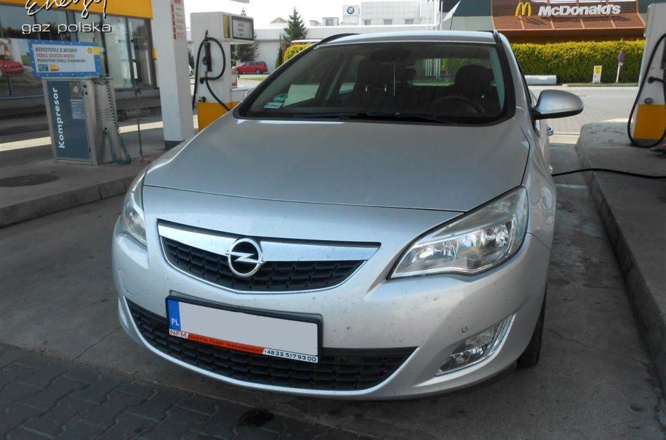 Opel Astra 1.4T 2011r LPG