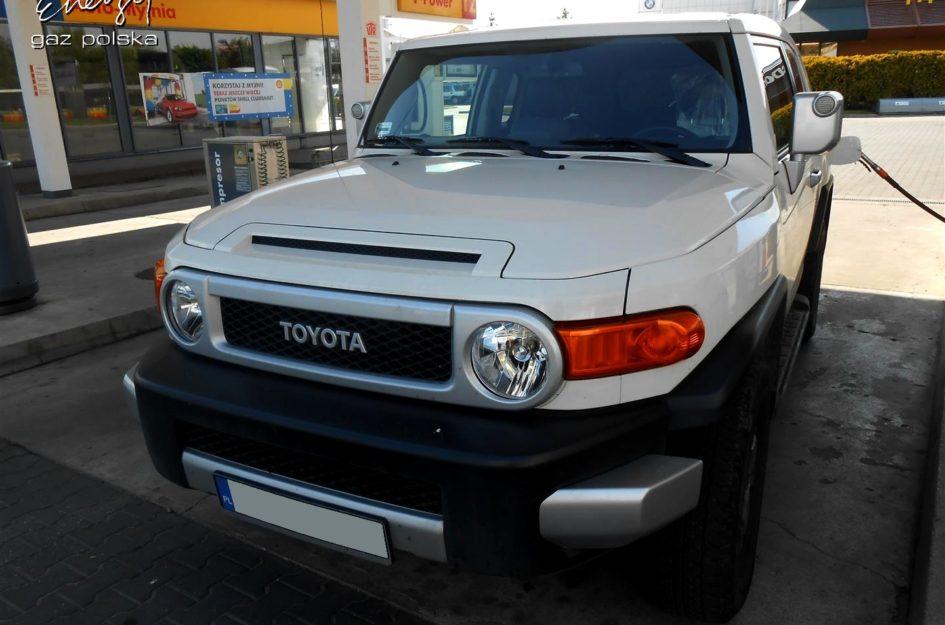 Toyota FJ Cruiser 4.0 V6 2010r LPG