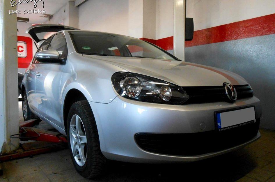 Volkswagen Bora 1.6 2009r LPG
