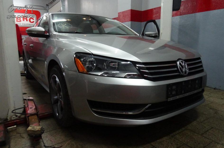 Volkswagen Passat 2.5 2012r LPG
