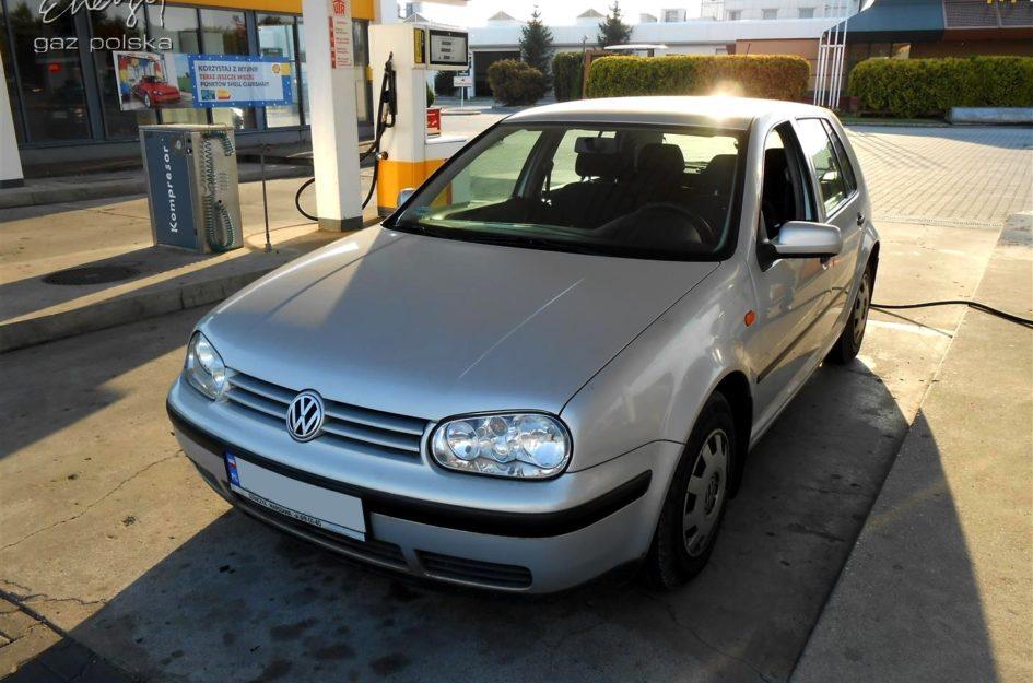 Volkswagen Golf 1.6 1999r LPG