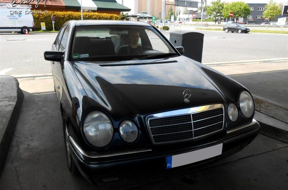 Mercedes E-klasa 2.0 1999r LPG