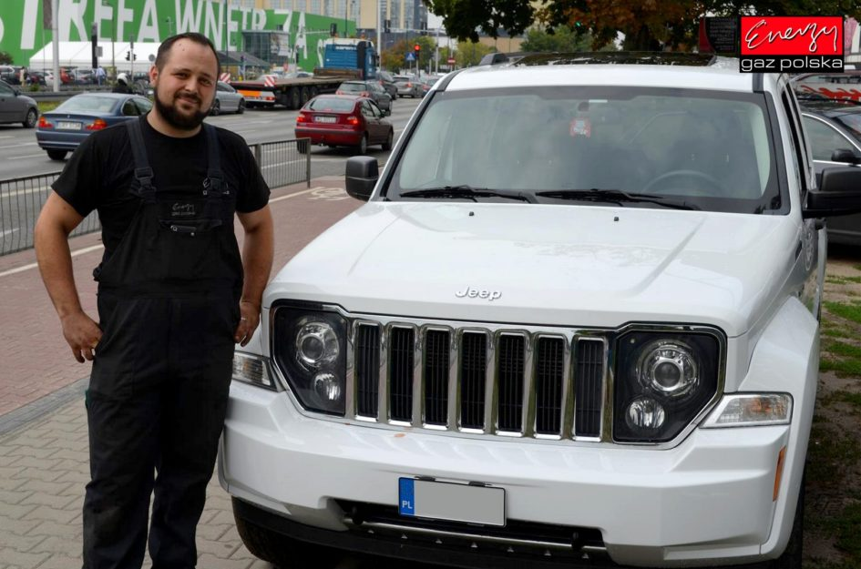 JEEP LIBERTY 3.7 211KM 2012R LPG