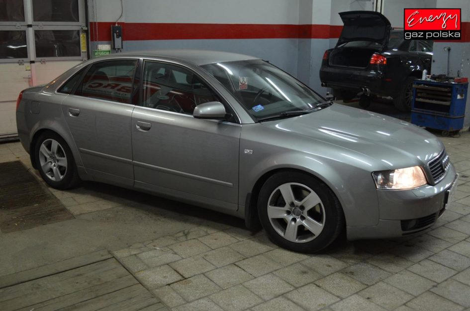 AUDI A4 2.4 V6 170KM 2002R LPG