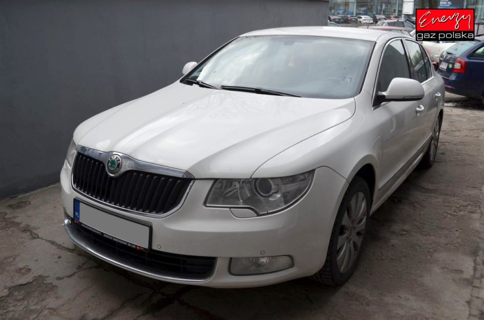 SKODA SUPERB 3.6 260KM 2009R LPG