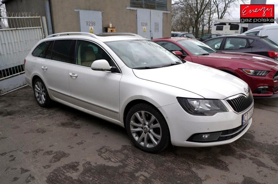 SKODA SUPERB 3.6 260KM 2014R LPG