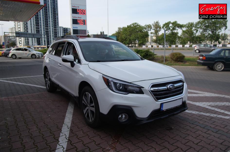Subaru Outback 3.6 260KM 2018R LPG
