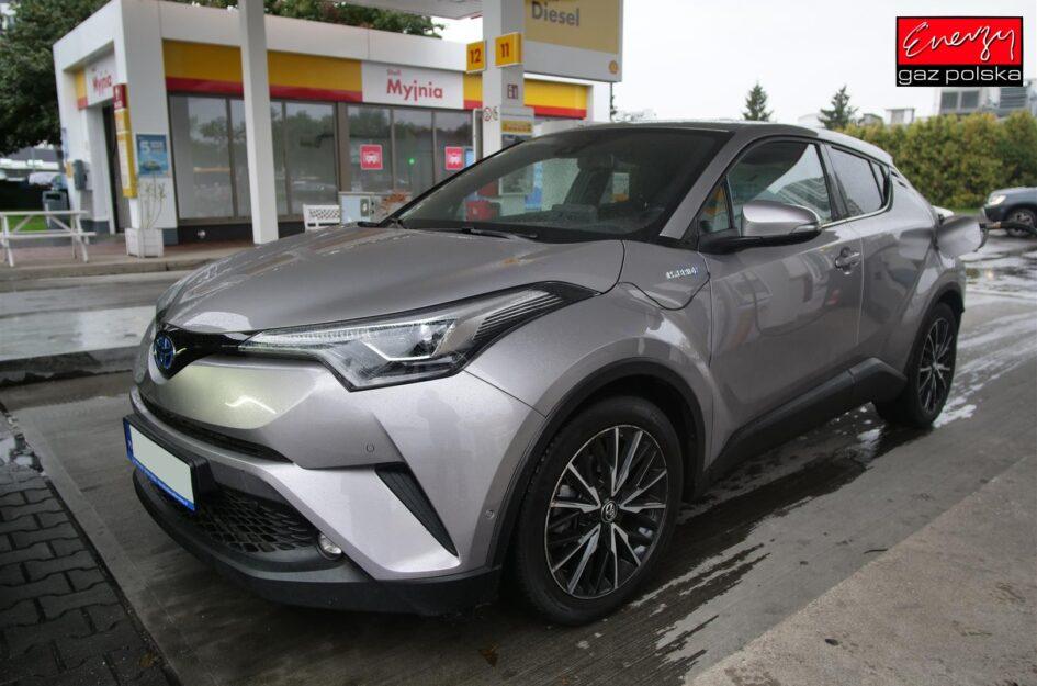 Toyota CH-R 1.8 99KM 2016R LPG